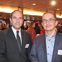Mathias Sönmez (Brains `n`Hand Communication, l.) und Stephan Rissi (Marketing- und Verkaufsdirektor Stieger Software)
