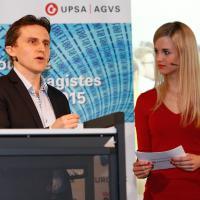 Philipp Ries (Google) und Moderatorin Miriam Rickli