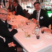 v.l. Madeleine und René Degen (AGVS Zentralvorstand), Markus Aegerter (AGVS) und Daniel Riedo